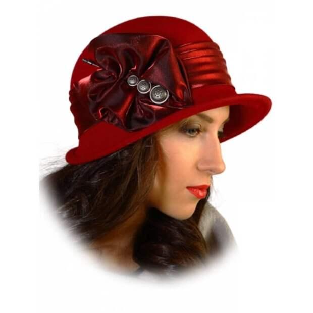 Женская фетровая шляпа с небольшими полями