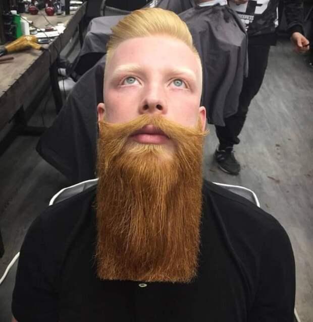 парень с рыжей бородой