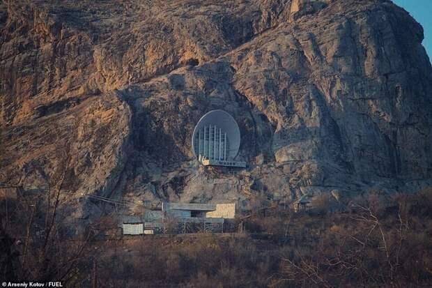 Российский фотограф открыл, какой причудливой была порой советская архитектура