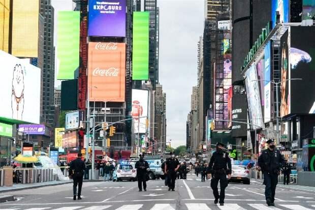 Три человека пострадали в результате стрельбы на Таймс-сквер