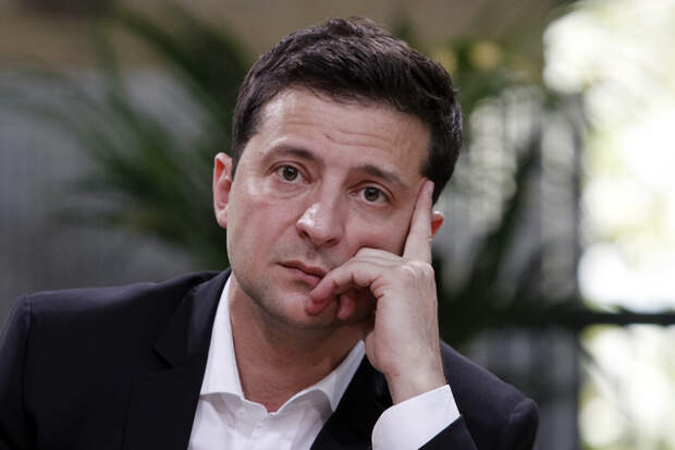 Зеленский просит поддержать европейские перспективы Украины уже третью страну ЕС