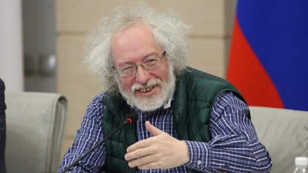 """Главред """"Эха Москвы"""" прокомментировал спор о СМИ-иноагентах на ПМЭФ"""