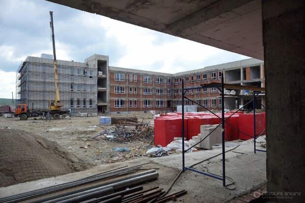 В Адыгее наращивают темпы строительства новых детских садов и школ