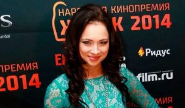 Самбурская стала копией жены Певцова
