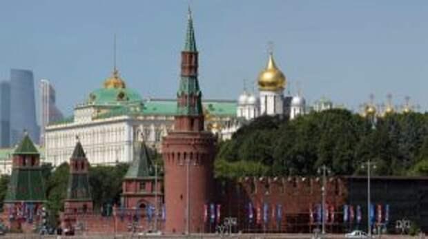 Шесть человек пострадали в Москве из-за непогоды