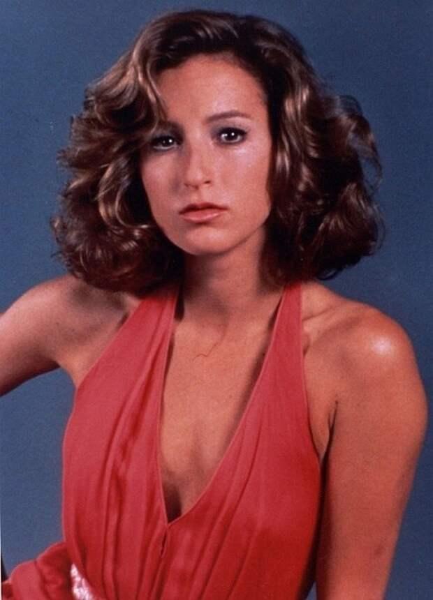 Дженнифер Грей - Наиболее известна по роли Бэби в мелодраме 1987 года «Грязные танцы». Голливуд., Лица с экрана, кинематограф