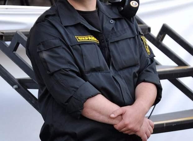 Охранник и менеджер стали самыми высокооплачиваемыми специалистами в Москве