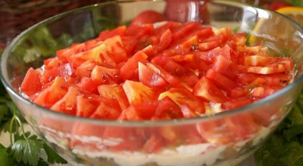 Бесподобный салат «Чикаго». Слоеный салатик с самыми простыми продуктами