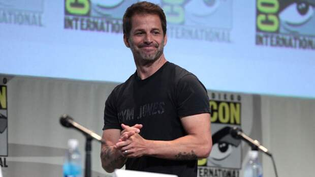 Режиссер Зак Снайдер положительно отреагировал на появление темнокожего Супермена