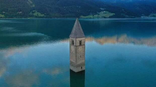Затонувшая деревня показалась из озера во время ремонтных работ в Италии