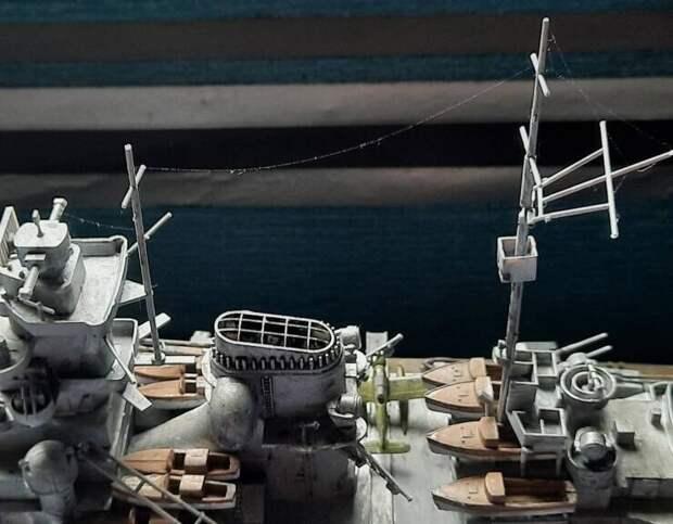 Паук помог оснастить модель корабля