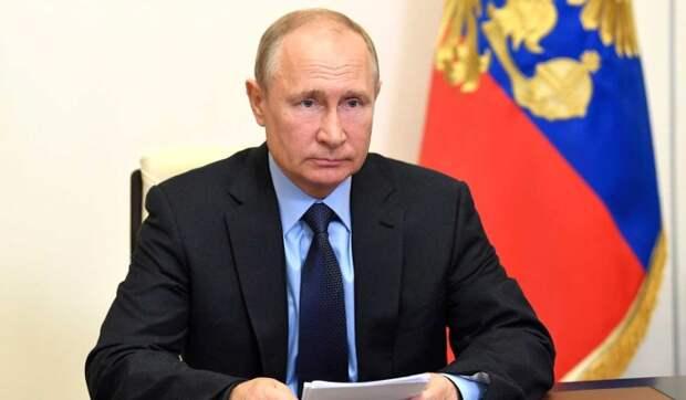 Путин поручил кабмину проработать новые выплаты на детей