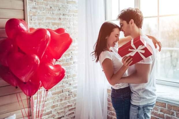 Россияне готовятся отмечать День влюбленных и скупают эротическое белье