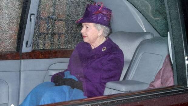 Елизавета II получила известие о смерти друга в день похорон принца Филиппа