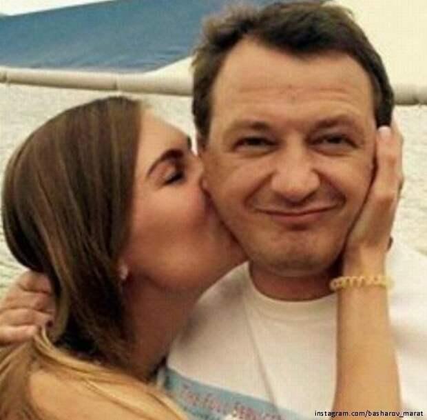 Знакомый Марата Башарова назвал возможную причину его ссоры с женой