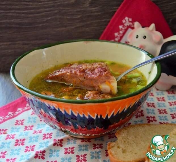 Суп с бобовыми и копчёными рёбрами