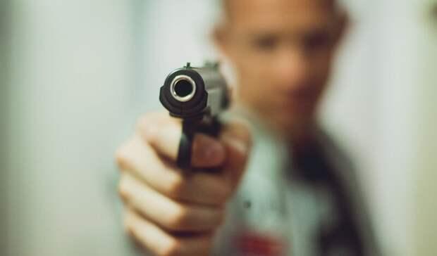 Агрессивный волгоградец угрожал водителю автобуса пистолетом