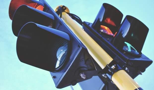Новый светофор появился наперекрестке Фестивальная-Кулибина вНижнем Тагиле