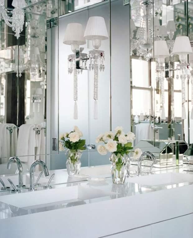 Красивые бра в дизайне ванной