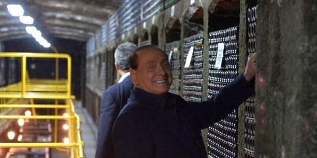 Украина потребовала от Италии допросить Берлускони из-за дегустации крымского вина