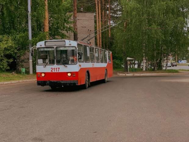 В выходные на улице Петрова в Ижевске ограничат движение троллейбусов