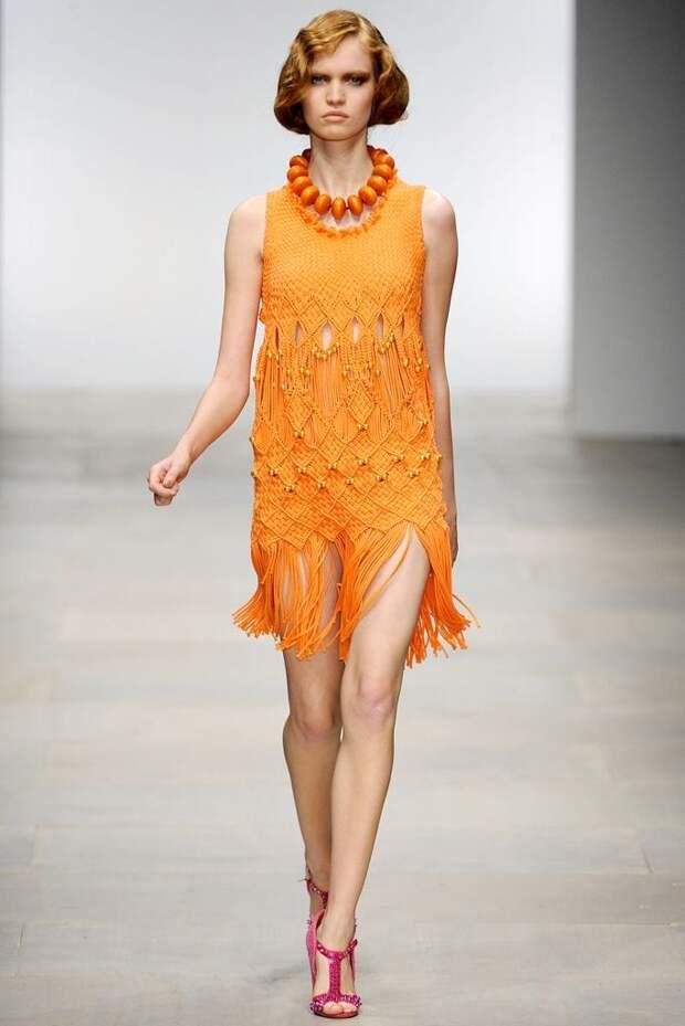 Стильная одежда в технике макраме: стильные наряды лета 2021