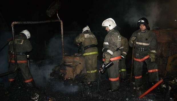 Пожарные ликвидировали возгорание в бытовке деревни Боборыкино