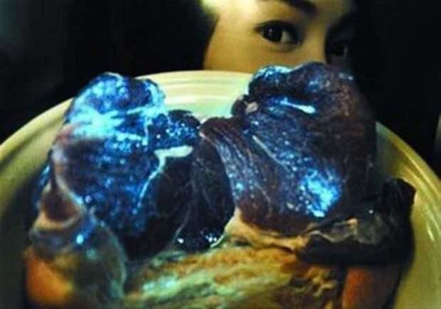 Светящаяся в темноте свинина еда, китай