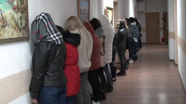 Сеть борделей под видом массажных салонов выявили в Крыму
