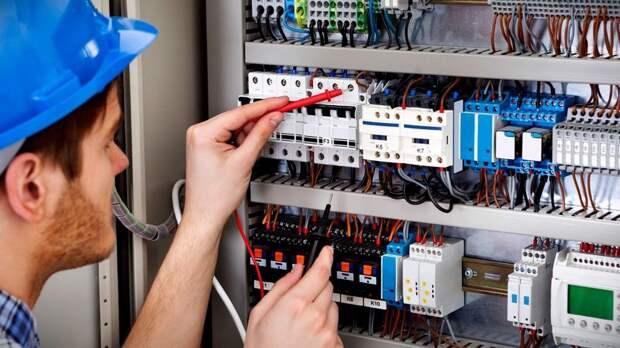 В школе № 2098 Западного Дегунина проведут плановую проверку электросетей