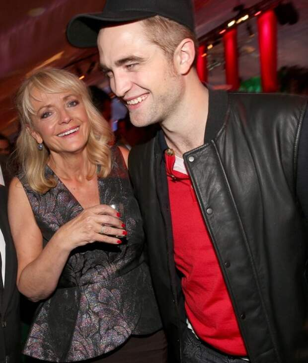 Мировые знаменитости вместе со своими любимыми матерями
