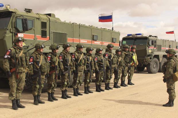 Россия перебрасывает технику и военнослужащих в город Айн-Исса, осаждаемый боевиками