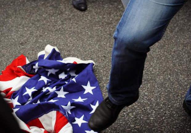 Как забодать Америку? Маститые россияне изощряются в советах