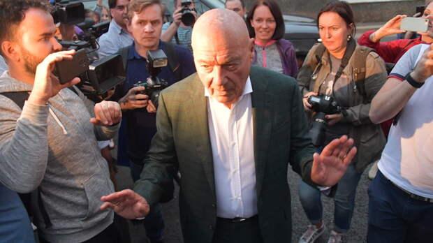 Познер набросился на Михалкова за критику американского миллиардера