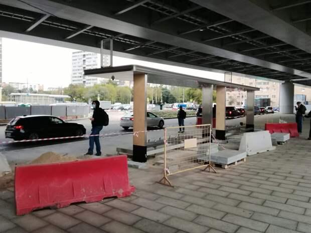 У станции метро «Ботанический сад» началась реконструкция перехода