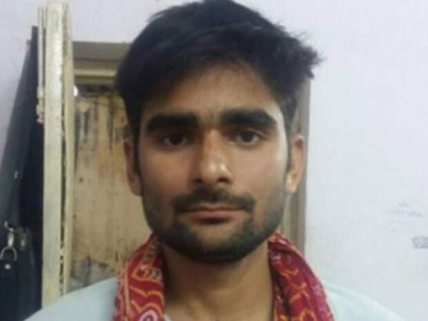 В Индии мужчина «надул» своего друга компрессором