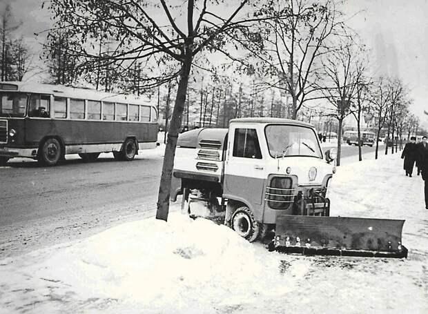 Редкая машина ТУМ-975. Выпускался с 1963 до 1984 года