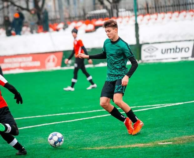 Футболисты из Митина одержали победу в центральном матче любительской Лиги