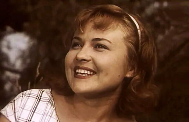 Людмила Маркелия, кадр из фильма «Осторожно, бабушка!», 1960 год