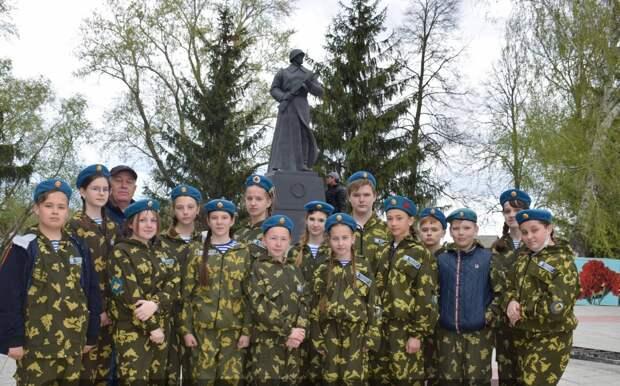 Памятник «Защитнику Отечества от благодарных потомков» открыт в Ульяновской области