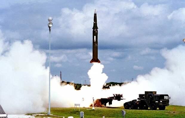 Вступление Украины в НАТО означает появление под Харьковом ядерных ракет США