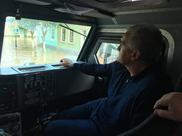 Аксенов рассказал о ситуации в затопленном Крыму