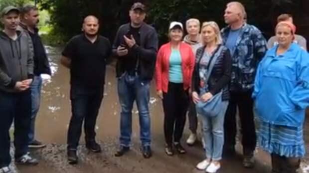 Вэлитном поселке, где живет глава Ростовской области, неторопятся строить дороги