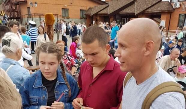 Стремление помогать обществу: волонтеры раскрыли причины участия впраймериз ЕР