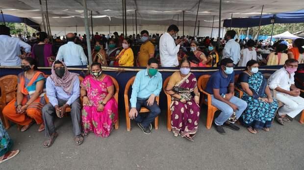 Индия не справляется с пандемией: почему растет число зараженных и что делают власти