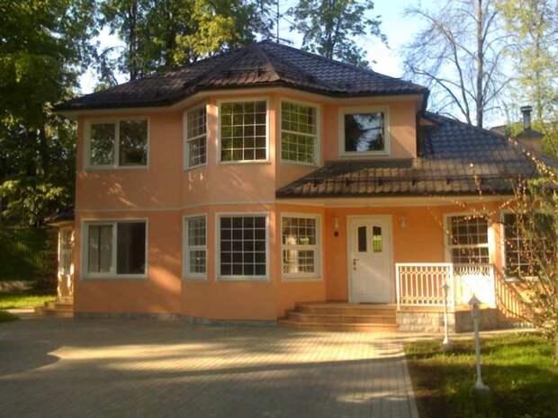 Почем в Москве можно купить частный жилой особняк