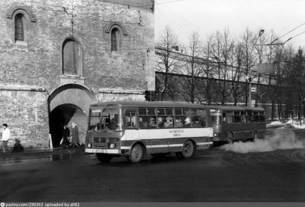 Уже тогда в городе были маршрутные ПАЗики. история, факты, фото