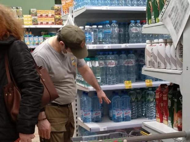 Кочуют из магазина в магазин: голодные мигранты грабят московские супермаркеты