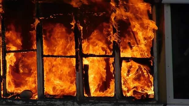 После гибели маленькой девочки на пожаре в Тверской области возбуждено уголовное дело