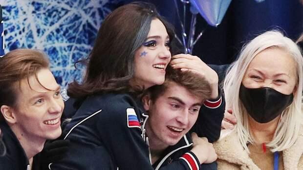 Скопцова: «Медведева сжимала мою руку, когда прыжок получался. Во время проката Кондратюка рука чуть не сломалась»